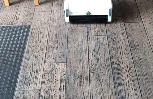 PVC Böden maschinell reinigen